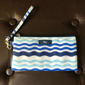 NWOT Scout zippered wristlet